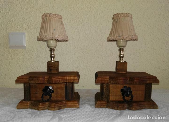 Vintage pareja de veladores de madera con caj n comprar - Cajones de madera antiguos ...