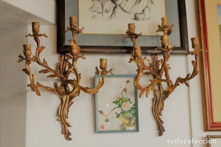 PAR PAREJA DE CANDELABROS EN BRONCE DORADO APLIQUES (Antigüedades - Iluminación - Candelabros Antiguos)