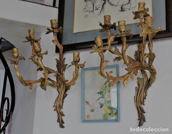Antigüedades: PAR PAREJA DE CANDELABROS EN BRONCE DORADO apliques - Foto 5 - 78141945