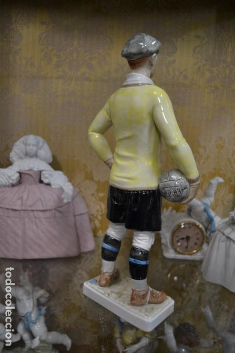Antigüedades: figura porcelana algora portero fútbol años 20 - Foto 2 - 78162185