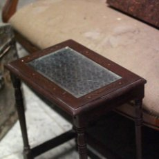 Antigüedades - Bonita mesita estilo oriental, 48cm de altura. - 85062815