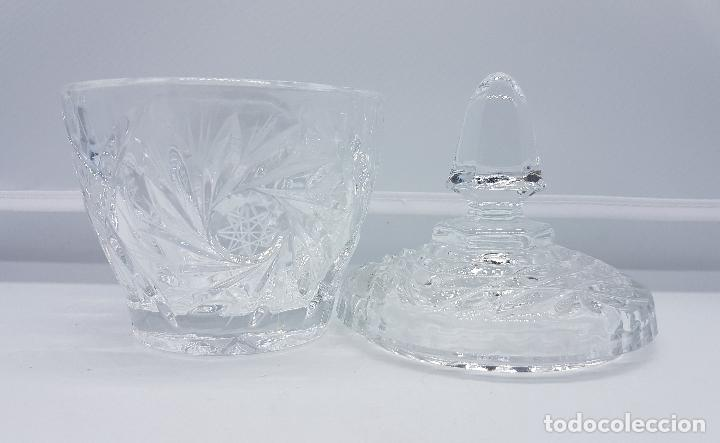 Antigüedades: Bombonera antigua en cristal inglesa con bellos motivos - Foto 3 - 78214109