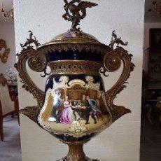 Antigüedades: JARRÓN DE PORCELANA FRANCESA Y BRONCE DE 135 CM ALTO. Lote 78230185
