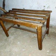 Antigüedades: MUEBLE AUXILIAR CALZADOR DORMITORIO. Lote 78236553