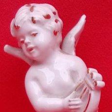 Antigüedades: ÁNGELITO CON LIRA EN PORCELANA VIEJO PARÍS S. XIX.. Lote 78368137
