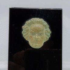 Antigüedades: PLACA DE ONIX CON ROSTRO EN RELIEVE EN METAL DE BEETHOVEN. Lote 78371913