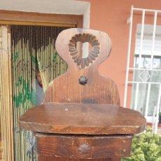 Antigüedades: ESTANTERIA DE MADERA CON CAJON. Lote 78453217