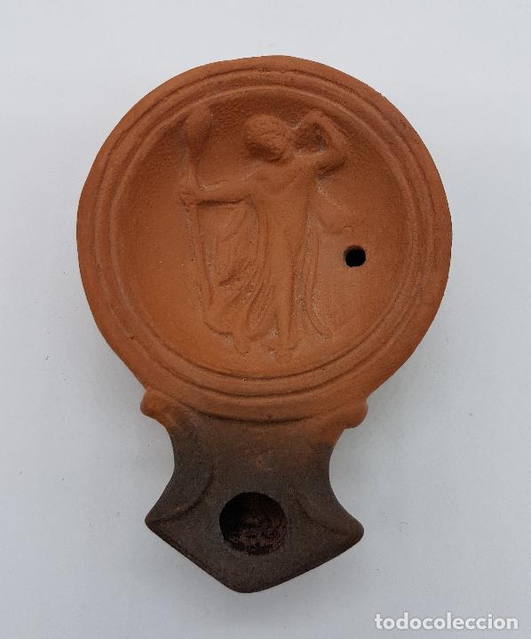 Antigüedades: Lámpara de aceite antigua en terracota con imagen de moisés - Foto 2 - 78505041