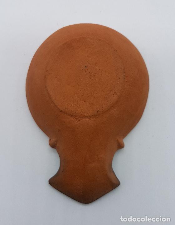 Antigüedades: Lámpara de aceite antigua en terracota con imagen de moisés - Foto 5 - 78505041