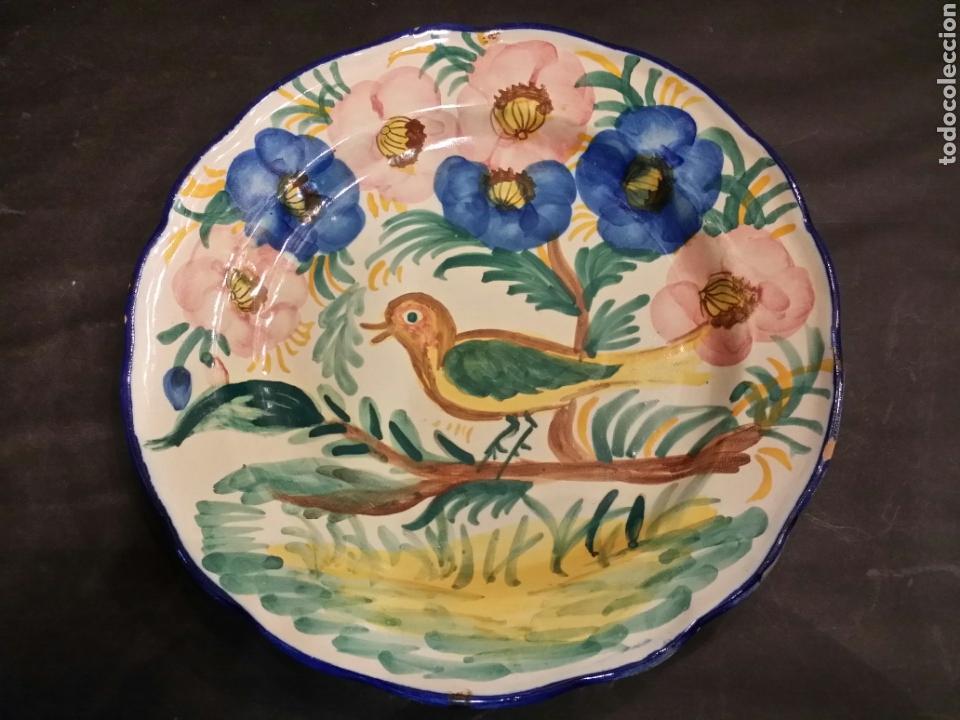 ANTIGUO PLATO EN CERÁMICA DE MANISES FIRMADO FAITANAR (Antigüedades - Porcelanas y Cerámicas - Manises)
