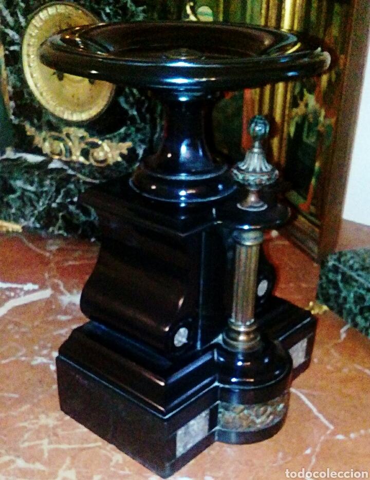 Antigüedades: Centro frances Imperio. Realizado en pizarra negra y bronce. Relive de querubines y columna dorada. - Foto 2 - 78604879