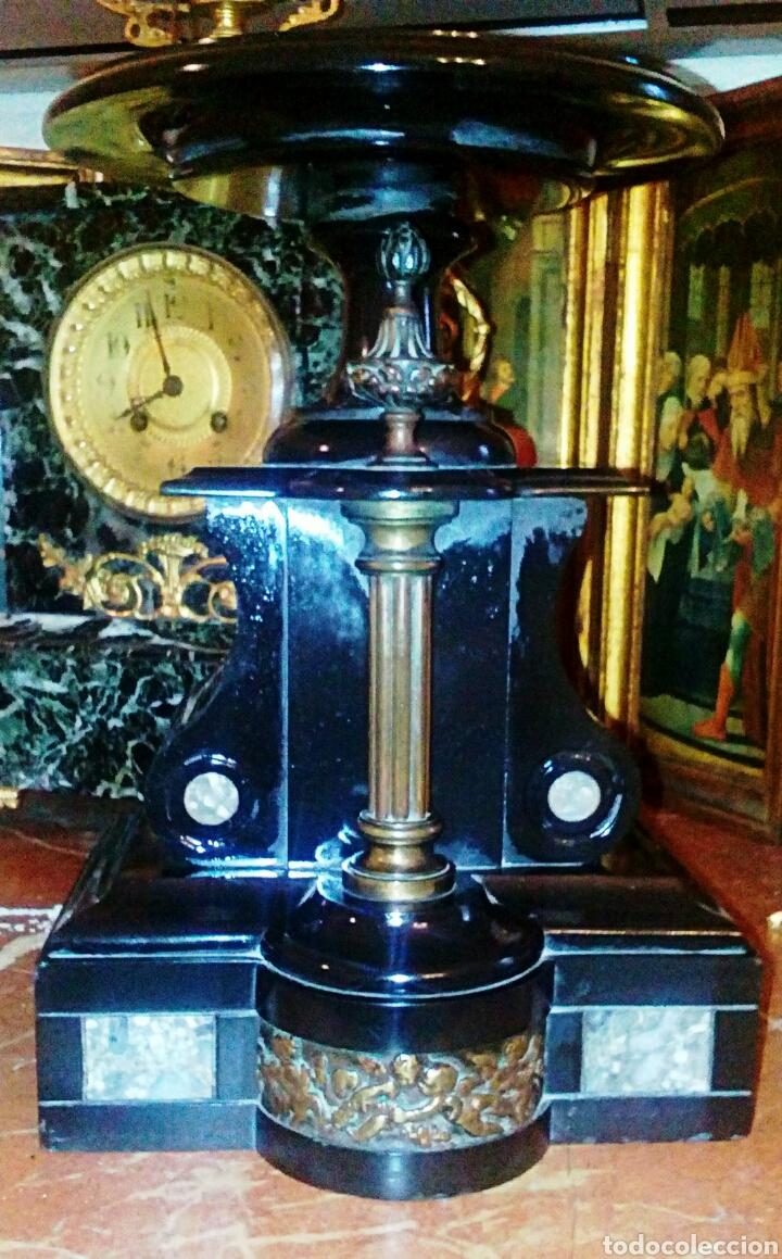 Antigüedades: Centro frances Imperio. Realizado en pizarra negra y bronce. Relive de querubines y columna dorada. - Foto 4 - 78604879