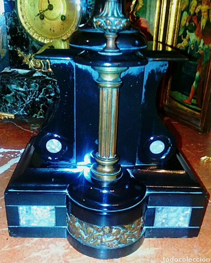 Antigüedades: Centro frances Imperio. Realizado en pizarra negra y bronce. Relive de querubines y columna dorada. - Foto 5 - 78604879