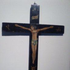 Antigüedades: CRUCIFIJO POLICROMADO ANTIGUO. Lote 78611293
