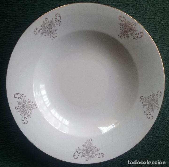 PLATO HONDO DE PORCELANA - ESPAÑOLL (Antigüedades - Porcelanas y Cerámicas - Otras)