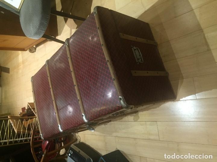 Antigüedades: Baúl de madera con chapa metal roja - Foto 7 - 78890465