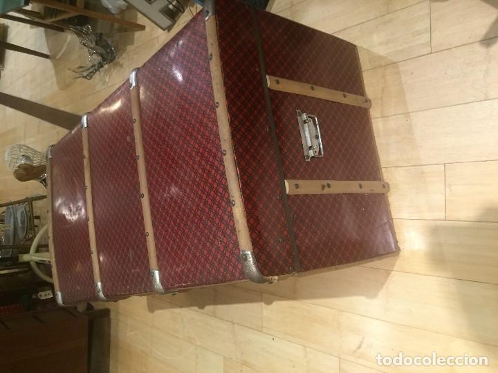 Antigüedades: Baúl de madera con chapa metal roja - Foto 8 - 78890465