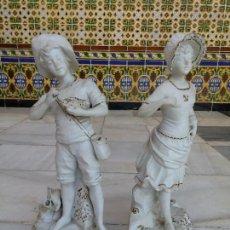 Antigüedades: ANTIGUA PAREJA FIGURAS PORCELANA BISCUIT SIGLO XIX. Lote 29464542