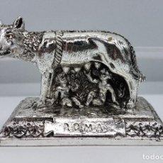 Antiquitäten - Escultura en plata laminada de Luperca amamantando a los gemelos Rómulo y Remo . - 78939005