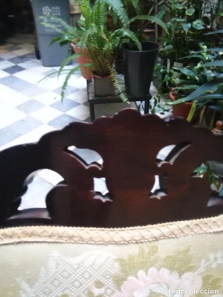 Antigüedades: preciosa silla sillon salon madera tallada para restaura con precioso tapizado brocado . leer mas - Foto 14 - 82491979