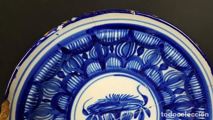 Antigüedades: PLATO EN CERAMICA ESMALTADA. TONOS AZULES. MANISES. SIGLO XIX. - Foto 6 - 79135373