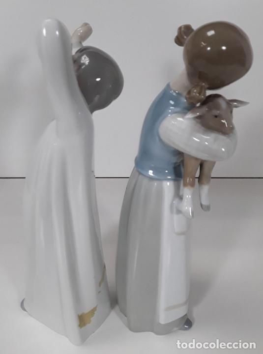Antigüedades: PAREJA DE NIÑOS. PORCELANA DE NAO LLADRÓ. ESMALTADA. ESPAÑA. CIRCA 1980. - Foto 6 - 79298005