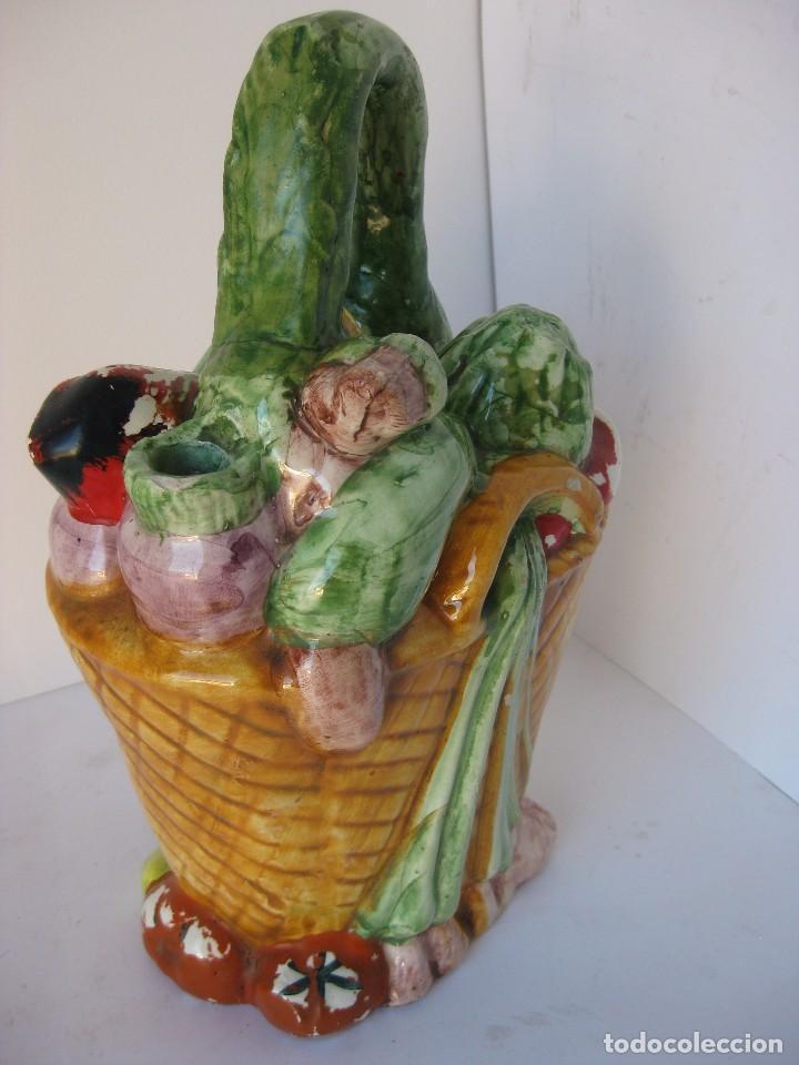 Antigüedades: Antiguo botijo Valenciano de Manises, cesta con verduras de la huerta. De principios del siglo XX. - Foto 3 - 79323733