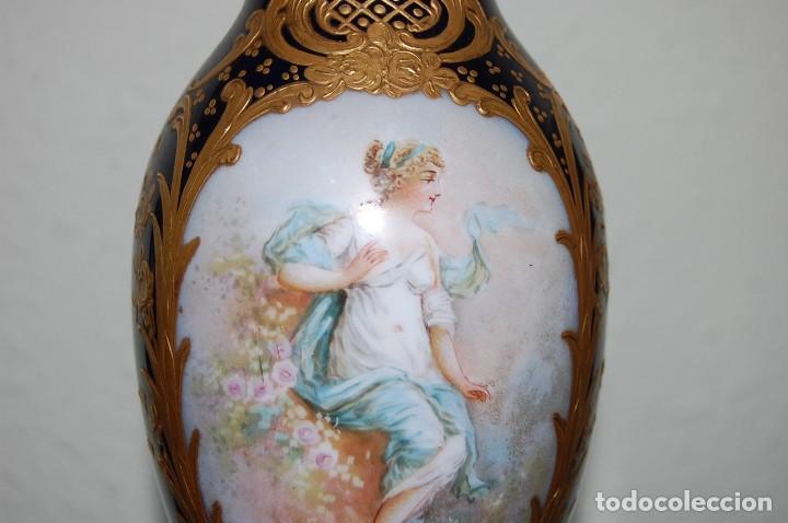 ANTIGUA COPA EN PORCELANA Y METAL (Antigüedades - Hogar y Decoración - Copas Antiguas)