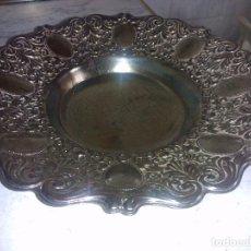 Antigüedades: ORIGINAL BANDEJA DE METAL ( PUEDE SER ALPACA) VER FOTOS. Lote 133056343
