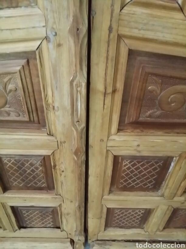 Puertas de exterior de nogal y hoja comprar for Puertas antiguas de madera doble hoja