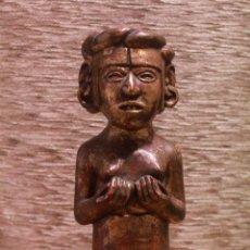 Antigüedades: ANTIGUA FIGURA EN BARRO COCIDO Y PINTADA. 30CM. Lote 90888615