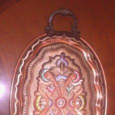 Antigüedades: BANDEJA DE COBRE DECORADA (MADE IN RHODES) . Lote 79715809