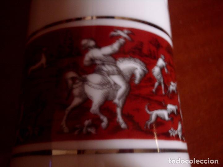 Antigüedades: ~~~~ DECORATIVO JARRON DE PORCELANA FILOS PLATA, DECORACIÓN MOTIVOS ANTIGUA CACERIA - Foto 3 - 79742401