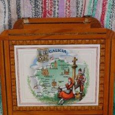 Antigüedades: ESTANTERIA ESPECIERO DE ESTILO RÚSTICO EN MADERA ESCUDO DE GALICIA DECORAR RESTAURANTES CASAS RURAL. Lote 79793117