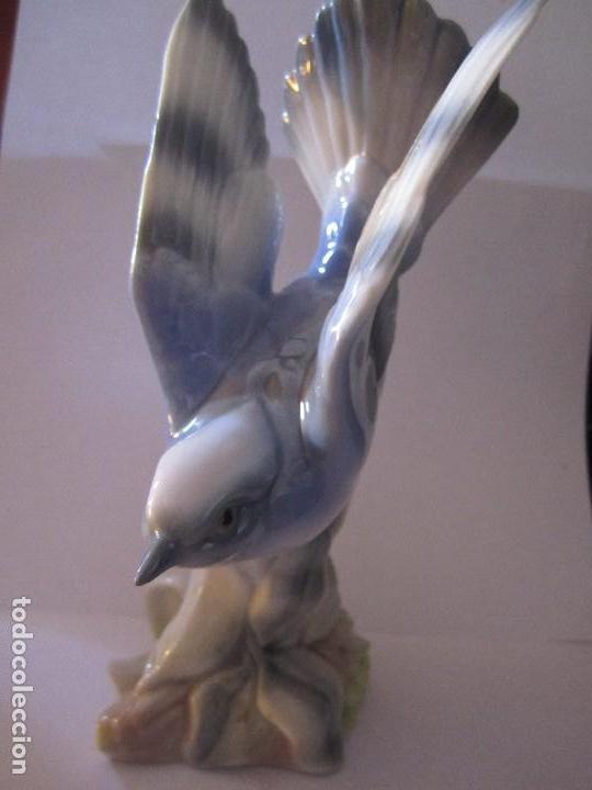 FIGURA PAJARO PORCELANA CASADES MADE IN SPAIN (Antigüedades - Porcelanas y Cerámicas - Otras)