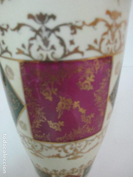Antigüedades: Pareja de Jarrones - Porcelana - Alemanía - Esmaltada y Dorada - Sello Corona Imperial - S. XIX - Foto 14 - 79887213