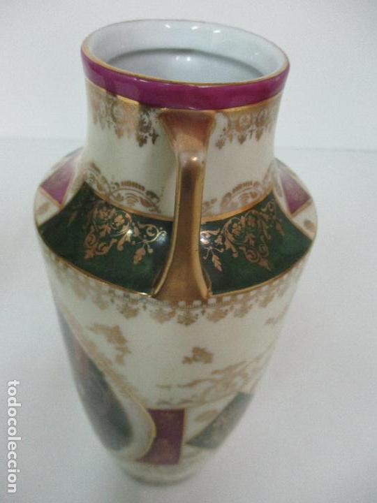 Antigüedades: Pareja de Jarrones - Porcelana - Alemanía - Esmaltada y Dorada - Sello Corona Imperial - S. XIX - Foto 25 - 79887213