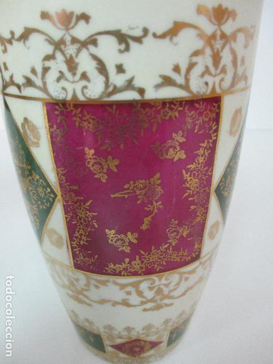 Antigüedades: Pareja de Jarrones - Porcelana - Alemanía - Esmaltada y Dorada - Sello Corona Imperial - S. XIX - Foto 27 - 79887213