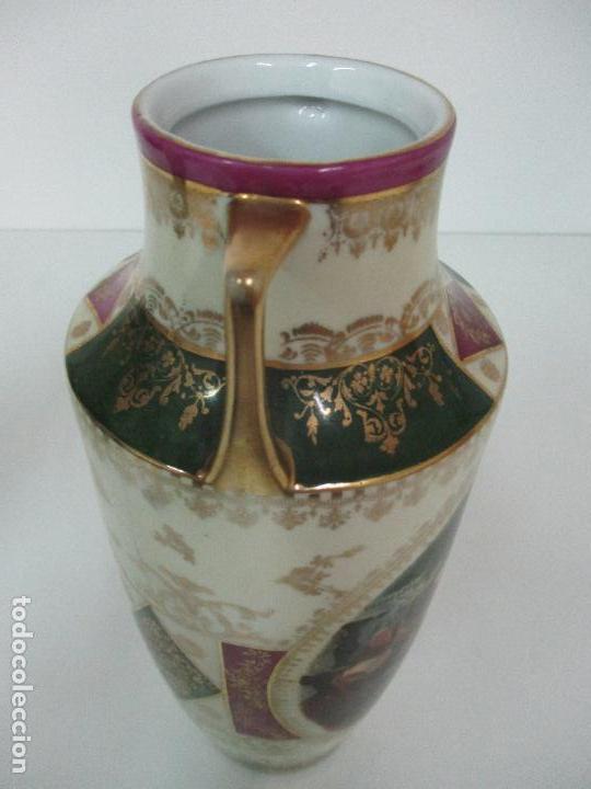 Antigüedades: Pareja de Jarrones - Porcelana - Alemanía - Esmaltada y Dorada - Sello Corona Imperial - S. XIX - Foto 29 - 79887213