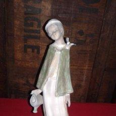 Antigüedades: FIGURA DE PORCELANA MARCA INGLES DE VALENCIA. Lote 80002973