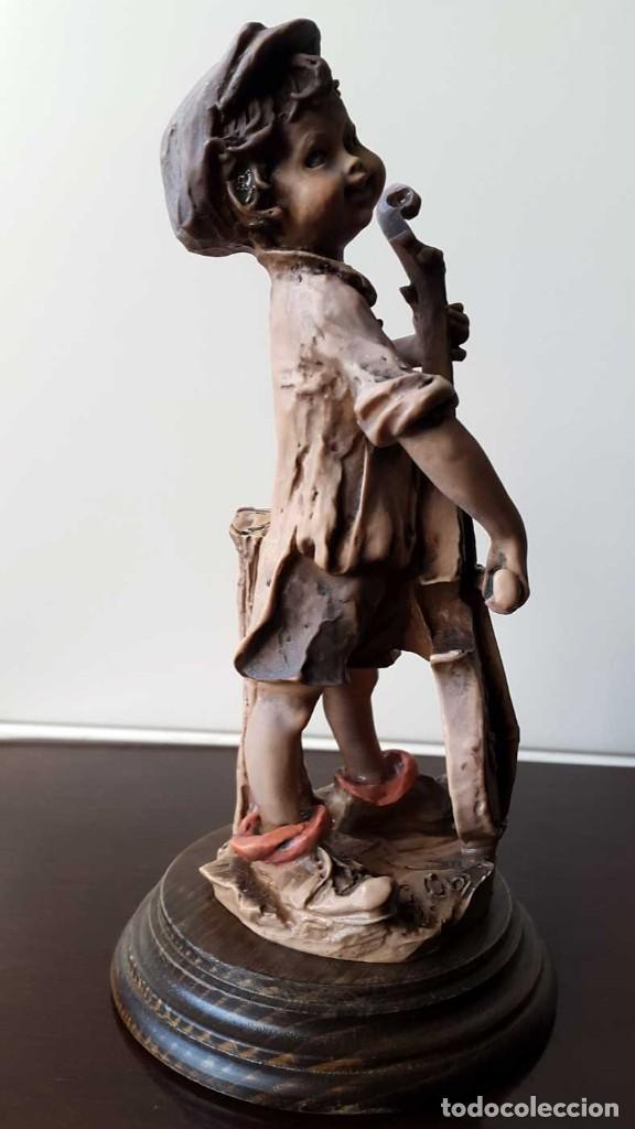 Antigüedades: Escultura niño con Violonchelo. Firmada - Foto 5 - 80011577