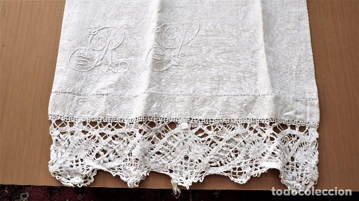 Antigüedades: Juego de 6 fundas de almohada de hilo bordadas - Foto 6 - 80014229