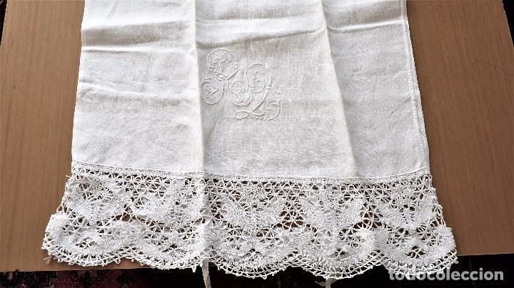 Antigüedades: Juego de 6 fundas de almohada de hilo bordadas - Foto 10 - 80014229