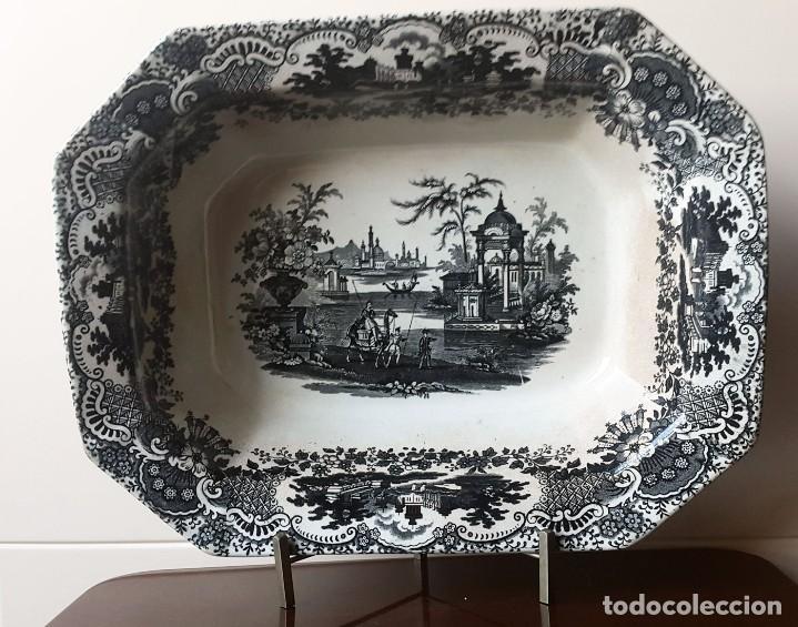 FUENTE PICKMAN Y CIA, SEVILLA 1870-VENECIA- VARIOS SELLOS.36CMX28CM. (Antigüedades - Porcelanas y Cerámicas - La Cartuja Pickman)
