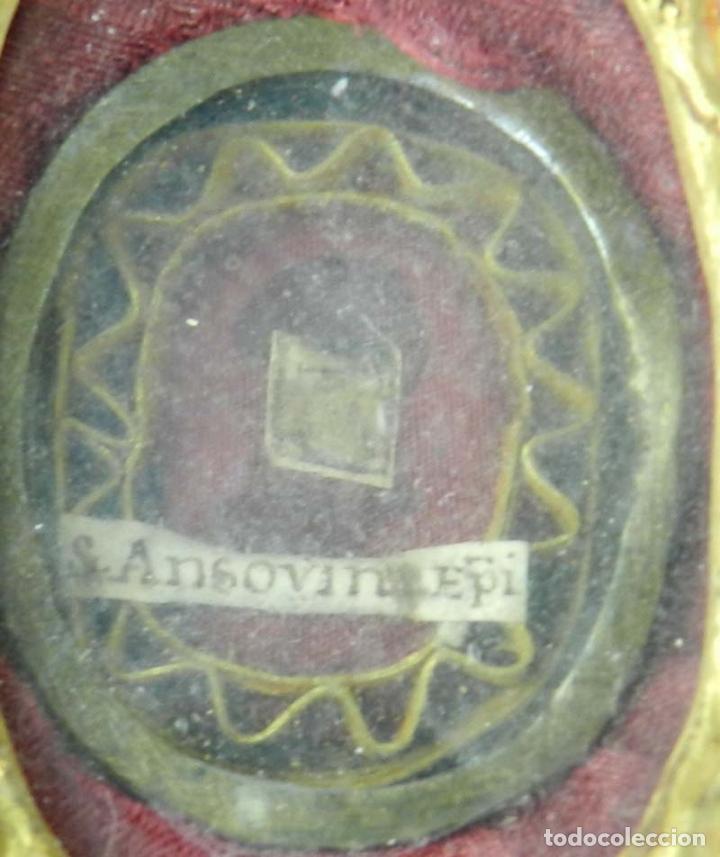 Antigüedades: EXCEPCIONAL RELICARIO COMPUESTO POR UN MARCO DE 11 ESFERAS OVALADAS CON 18 RELICARIOS EN SU INTERIOR - Foto 23 - 40644769