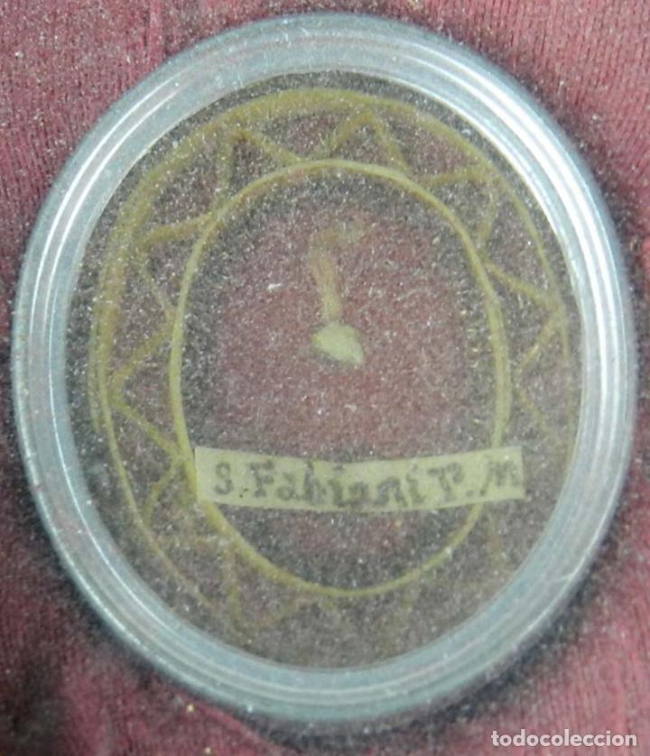 Antigüedades: EXCEPCIONAL RELICARIO COMPUESTO POR UN MARCO DE 11 ESFERAS OVALADAS CON 18 RELICARIOS EN SU INTERIOR - Foto 32 - 40644769