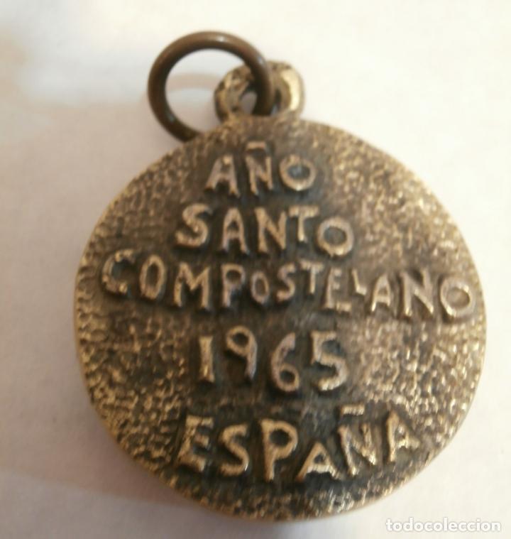 Antigüedades: Madallon Bronce Año Santo Compostelano1965 - Foto 2 - 80057649