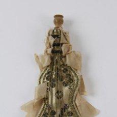 Antigüedades: REL-3. ORNAMENTO RELIGIOSO EN FORMA DE GUITARRA CON BORDADOS EN DORADO. S.XIX.. Lote 80074685