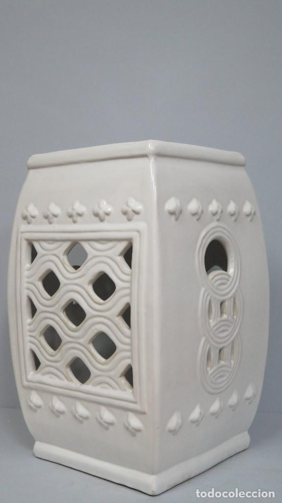 ESPECTACULAR PIE O PEDESTAL DE MANISES (Antigüedades - Porcelanas y Cerámicas - Manises)