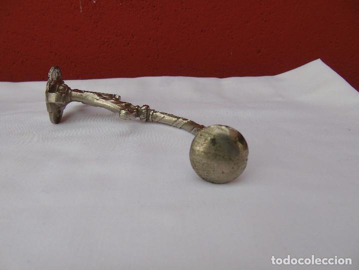 Antigüedades: PAREJA DE PERCHAS, COLGADORES METAL PLATEADO. - Foto 10 - 80098233